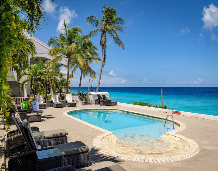 Bonaire oceanfront apartment